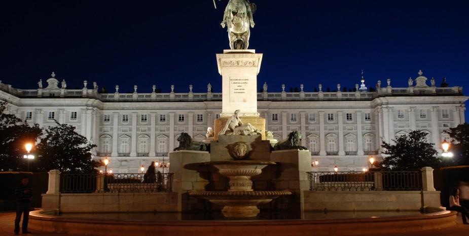 Aparthotel junto al Palacio Real en Madrid