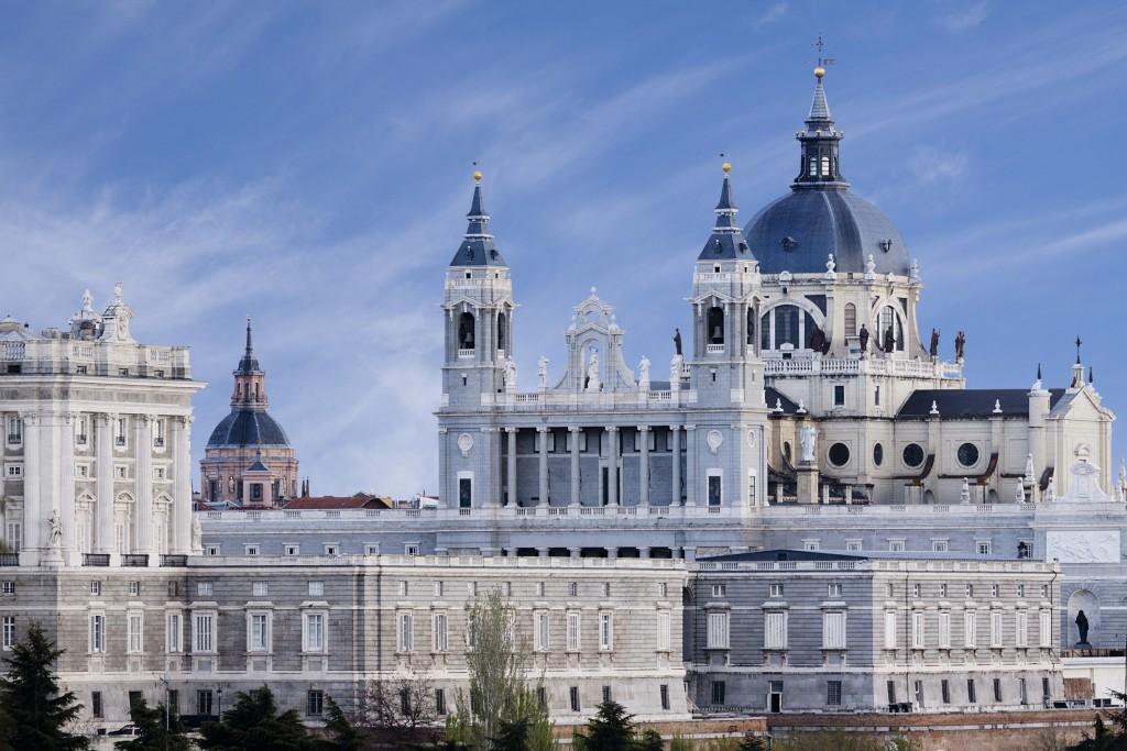 Resultado de imagen de La catedral de la Almudena